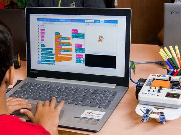 Program your Robot with Scratch