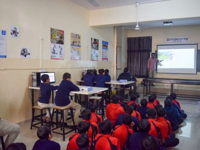 Atal Tinkering Lab Workshop on Robot Making Bharad by STEMpedia-1