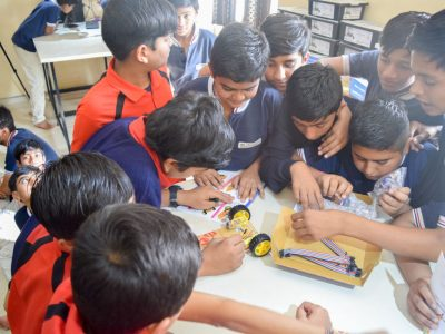 Atal Tinkering Lab Workshop on Robot Making Bharad by STEMpedia-14