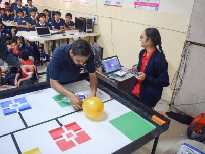 Atal Tinkering Lab Workshop on Robot Making Bharad by STEMpedia-15