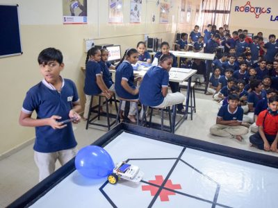 Atal Tinkering Lab Workshop on Robot Making Bharad by STEMpedia-16