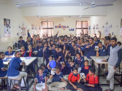 Atal Tinkering Lab Workshop on Robot Making Bharad by STEMpedia-18