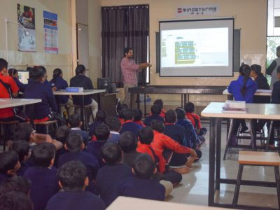 Atal Tinkering Lab Workshop on Robot Making Bharad by STEMpedia-5